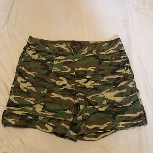Faded Glory camo shorts size 18w